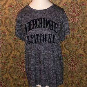 NWOT! Abercrombie logo t-shirt.